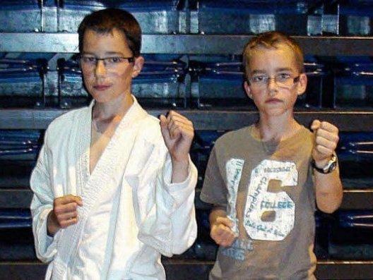 marc-et-gabriel-le-vaillant-du-club-de-l-essa-karate-ont_1912100_528x397[1]